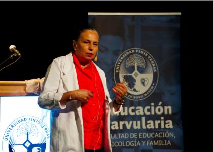 Antropóloga Noemi Paymal planteó nueva forma de educar basada en las emociones