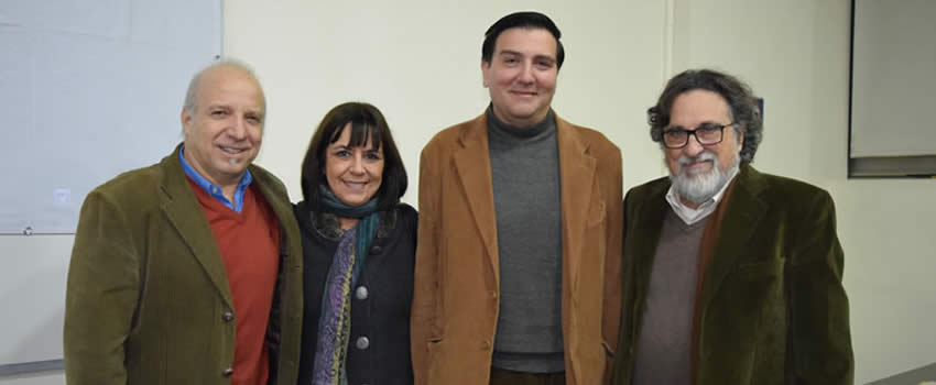 "Silvio Caiozzi presentó libro ""Conversando sobre cine chileno"" del periodista y docente Jaime Córdova"
