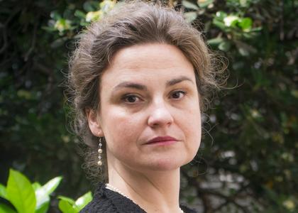 """Académica María Angélica Benavides participó en """"Conversatorios soberanos y constitucionales: desde lo público a lo privado"""" organizados por la U. Central de Chile"""
