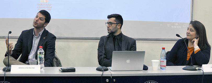 """Profesora Baltra en charla sobre reciclaje: """"La Constitución garantiza vivir en un ambiente libre de contaminación"""""""