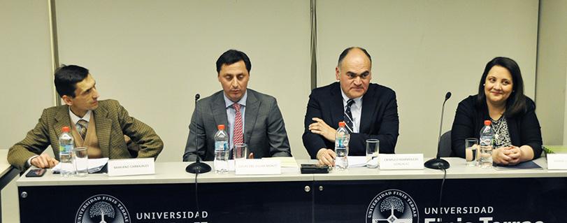 Lanzan libro sobre agencias reguladoras con presencia del director del Sernac