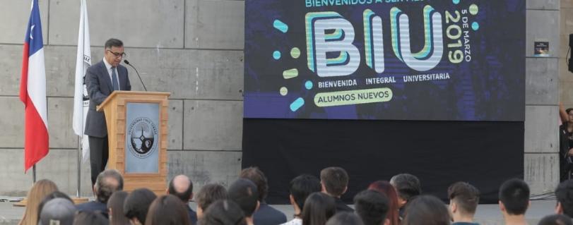 Universidad Finis Terrae dio la bienvenida a 1.709 nuevos estudiantes