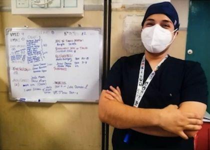"""Cristóbal Olave: """"Nuestro trabajo como enfermeros es crucial en esta situación de pandemia"""""""