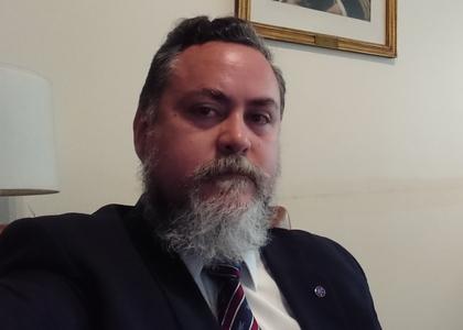 Diario Constitucional   Académico Pablo Alarcón analizó atribuciones, conflictos y diseño de la figura de Gobernadores Regionales