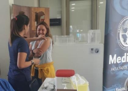 U. Finis Terrae se une a la campaña de vacunación contra el sarampión