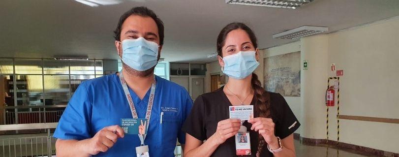 Egresados de Medicina y Kinesiología relatan su experiencia tras recibir vacuna contra el COVID-19