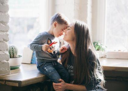 Maternidad y teletrabajo: cómo es trabajar con niños