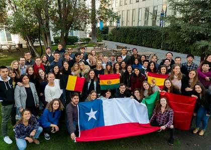 61 estudiantes de intercambio eligieron la U. Finis Terrae para cursar su segundo semestre