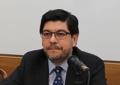 Ex subdirector técnico de Gendarmería, Alejandro Arévalo, impartió charla sobre sistema penitenciario chileno a estudiantes de la Facultad de Derecho