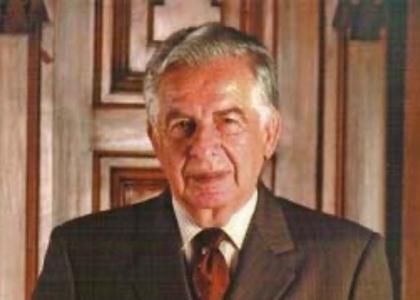A los 88 años de edad fallece Marcos Libedinsky, exdecano de la Facultad de Derecho de la Universidad Finis Terrae y expresidente de la Corte Suprema de Chile