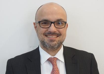 Diario Constitucional | Académico Gustavo Balmaceda analiza necesidad de actualizar Ley 19.223 tras ciberataque sufrido por Banco Estado