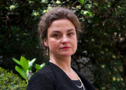 """Académica de la Facultad de Derecho, María Angélica Benavides, expuso en charla """"Nueva Constitución: Mujeres"""" organizada por el Colegio de Abogados"""