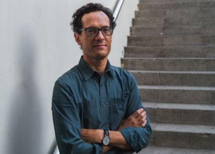 Académico Matías Ayala lidera investigación Fondecyt sobre la literatura en la Unidad Popular