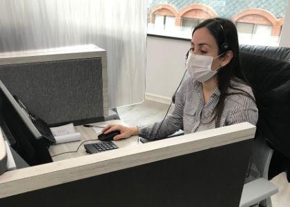 """Gabriela Díaz: """"A través del teléfono ayudo a bajar la incertidumbre de las personas y evitar que saturen los servicios de urgencia"""""""