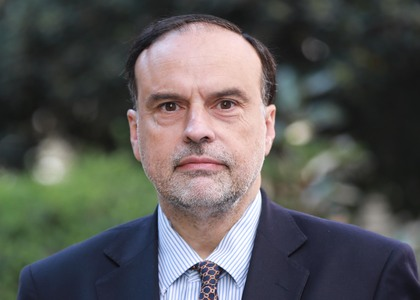 Profesor de la Universidad Finis Terrae, Enrique Navarro, expuso sobre proyecto de reforma al Código de Aguas en Comisión de Constitución, Legislación, Justicia y Reglamento del Senado