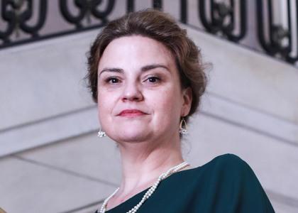 """Académica María Angélica Benavides expuso en seminario """"Constitución y Derecho Internacional"""" organizado por la U. de Chile junto a la Sociedad Chilena de Derecho Internacional"""