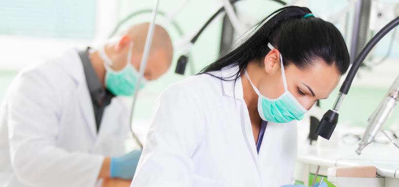 Alzas de aranceles llegan hasta los $500 mil y Odontología puede costar hasta $8 millones
