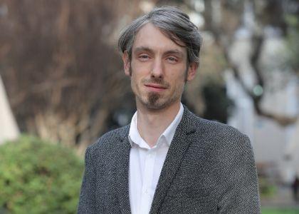 BiobioChile.cl | Antoine Faure explicó cómo ha influido en la imagen de políticos aparecer en matinales tras la crisis social