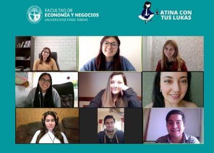 """""""Atina con tus lukas"""": Estudiantes de Ingeniería Comercial participan en programa de educación financiera"""