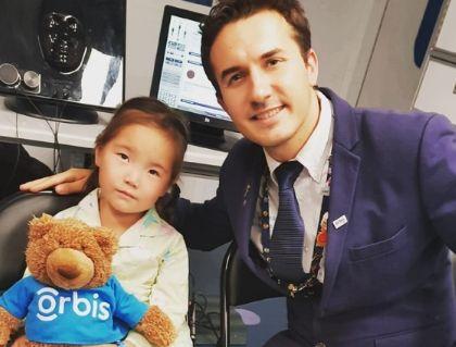 Andreas Di Luciano, el médico chileno a bordo del primer avión hospital oftamológico del mundo