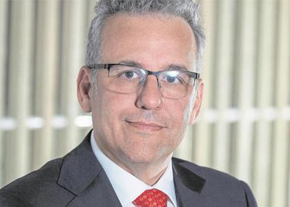 Inversión Responsable fue la temática que abordó el ingeniero Axel Christensen en charla de diplomado en Finanzas Sostenibles
