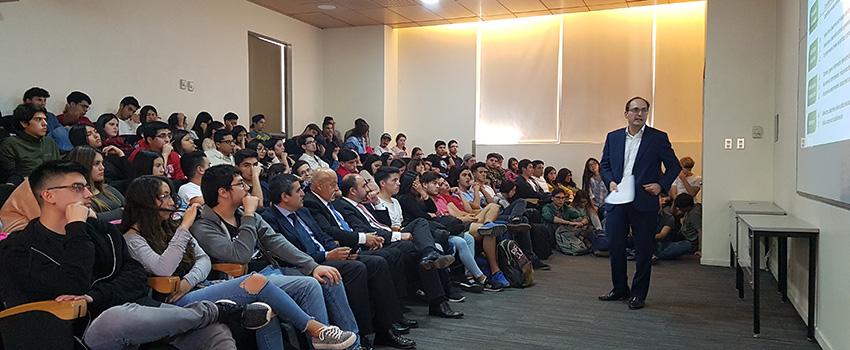 Escuela de Auditoría y Control de Gestión realizó charla sobre gestión de riesgos y control