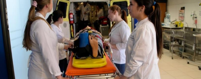 Escuela de Enfermería de la U. Finis Terrae se prepara para ser parte de II Jornadas Académicas alumni SILS en Santiago