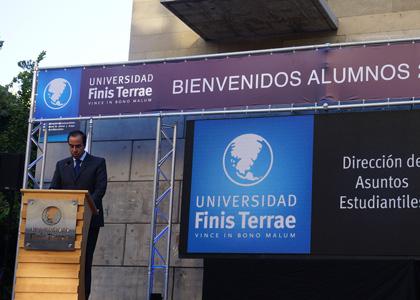 Alumnos nuevos fueron recibidos por el rector de la Universidad Finis Terrae