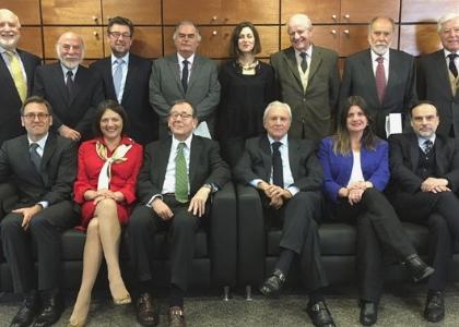 Profesor Enrique Navarro asume como consejero del Centro de Arbitraje y Mediación de Cámara de Comercio de Santiago