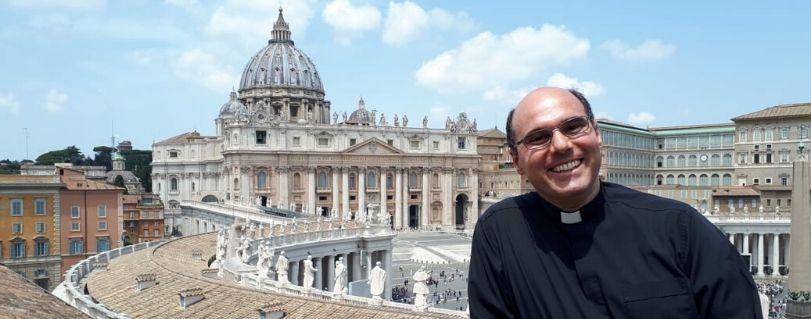 """Padre Pablo Redondo: """"Ser mejor es una invitación a cambiar este mundo comenzando por uno mismo"""""""