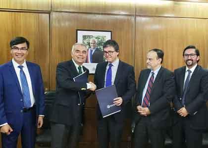Facultad de Derecho suscribió acuerdo con Funcionarios de la Subsecretaría de Agricultura