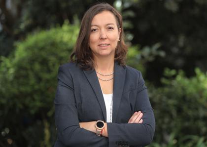 Dra. Cristina Hube asume como nueva directora de la Escuela de Ingeniería Comercial