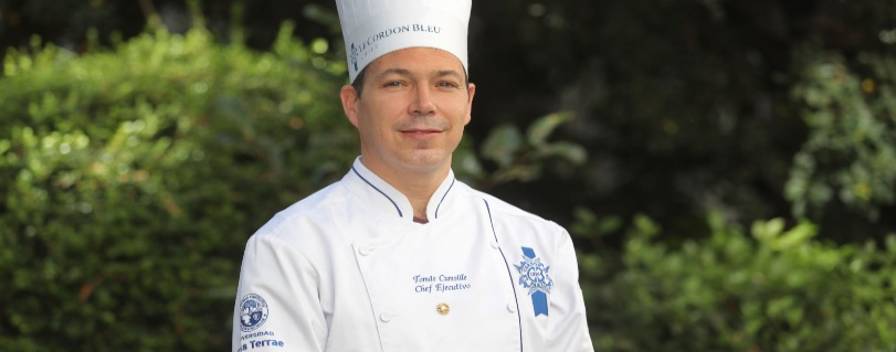 BioBioChile | Chef Tomás Cumsille entregó consejos para hacer las mejores empanadas, pebre y choripán