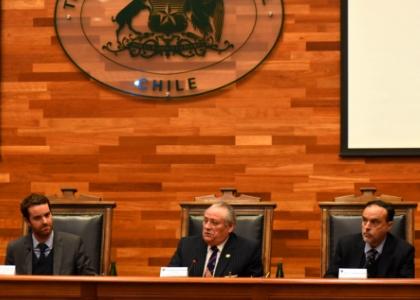 """Tribunal Constitucional lanza edición chilena de """"La Carta Magna"""", obra fundacional del derecho moderno"""
