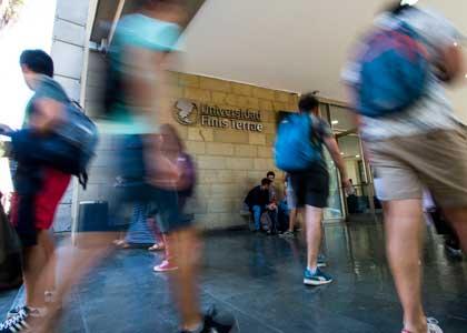 15 académicos de la Facultad de Derecho destacaron en el ránking Chambers and Partners 2019