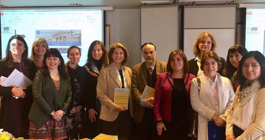 Directora de Investigación de la Facultad de Derecho expone en el VII Seminario de Profesoras de Derecho Público
