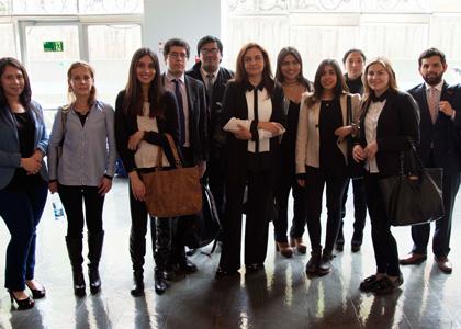 Clínica Jurídica de la Finis Terrae marca presencia en Seminario sobre derechos de adultos mayores