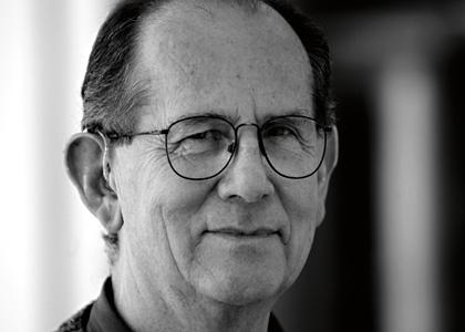 Eduardo Vilches, histórico profesor de la Facultad de Artes, obtuvo el Premio Nacional de Artes Plásticas 2019