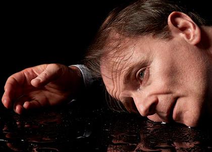 """""""El mar de noche"""" vuelve a Chile con cinco funciones en Teatro Finis Terrae"""