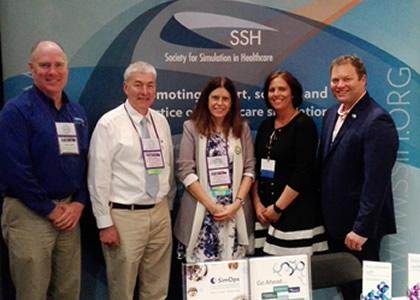 Directora de la Escuela de Enfermería participa en libro Simulation Champions lanzado en la ciudad de Washington