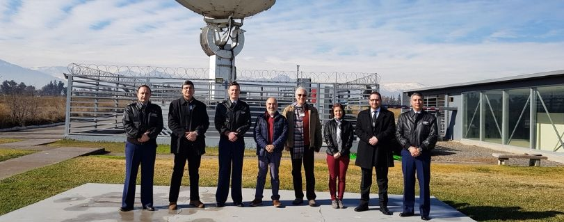 Académicos de la Facultad de Ingeniería visitaron instalaciones de monitoreo de la Fuerza Aérea de Chile