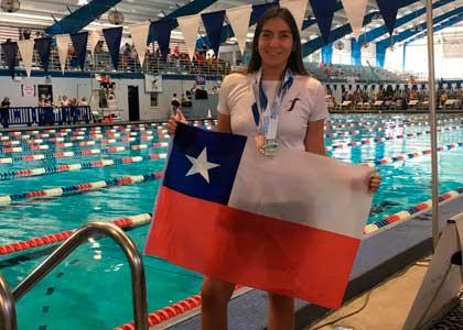Estudiante de Kinesiología obtuvo medalla de oro en relevos en Juegos Panamericanos de Natación