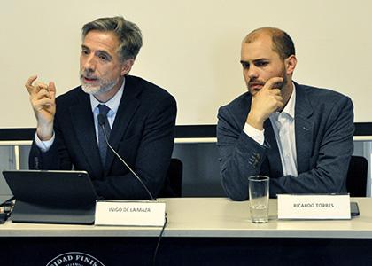 Experto ofrece charla sobre garantía legal en la Facultad de Derecho