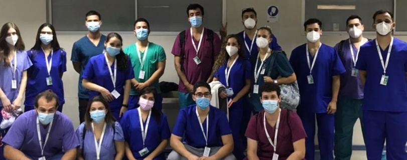 Alumnos y egresados de la Escuela de Medicina comenzaron internado voluntario en pandemia