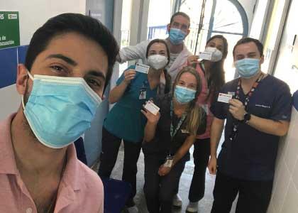 Internos de la Escuela de Medicina de la U. Finis Terrae fueron vacunados contra el Covid-19