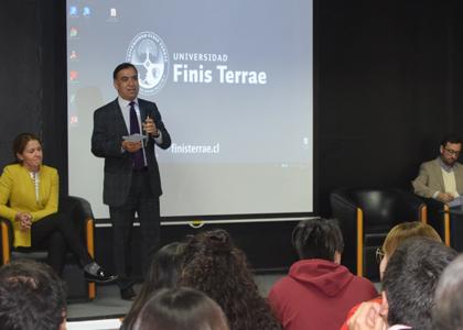 Jornada marcó el inicio de la nueva forma de hacer investigación en la U. Finis Terrae