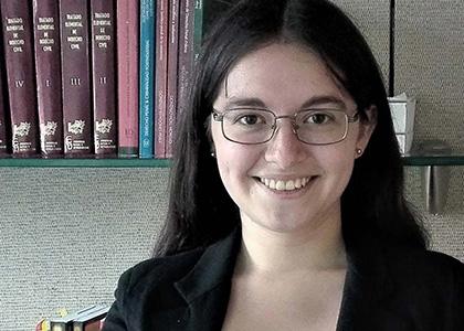 Estudiante de Derecho realiza pasantía en el prestigioso estudio de abogados Contreras Velozo