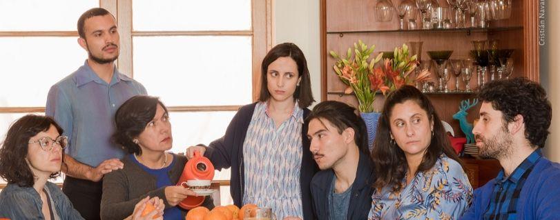Teatro Finis Terrae retoma funciones con obra que aborda situación de una familia en medio de una crisis social