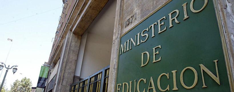 Académica de Derecho participa en comisión sobre educación y equidad de género del Mineduc
