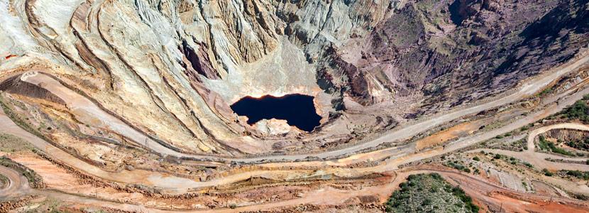 Magíster en Derecho Minero y Aguas